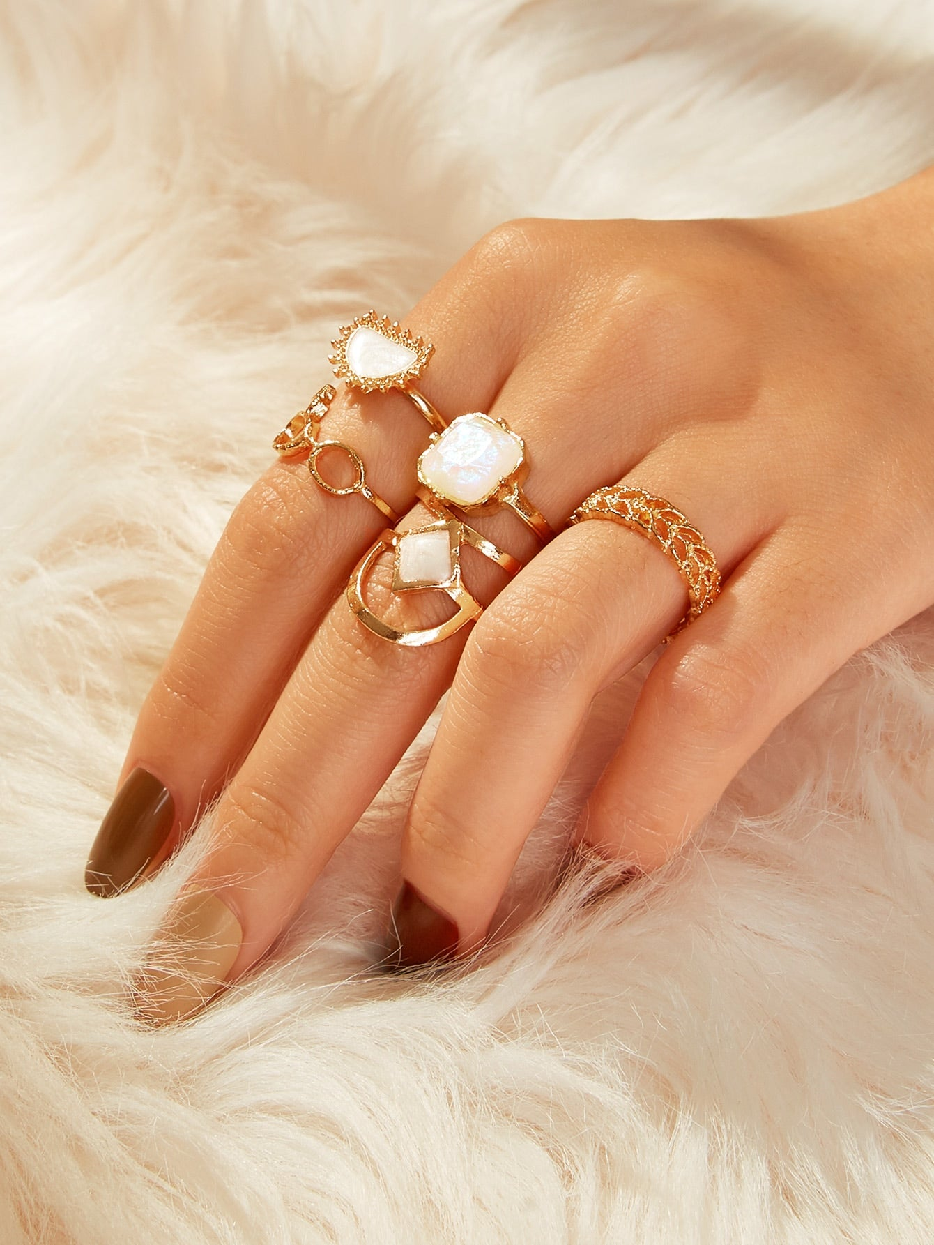 Golden Hollow Out Gemstone 5pcs Ring