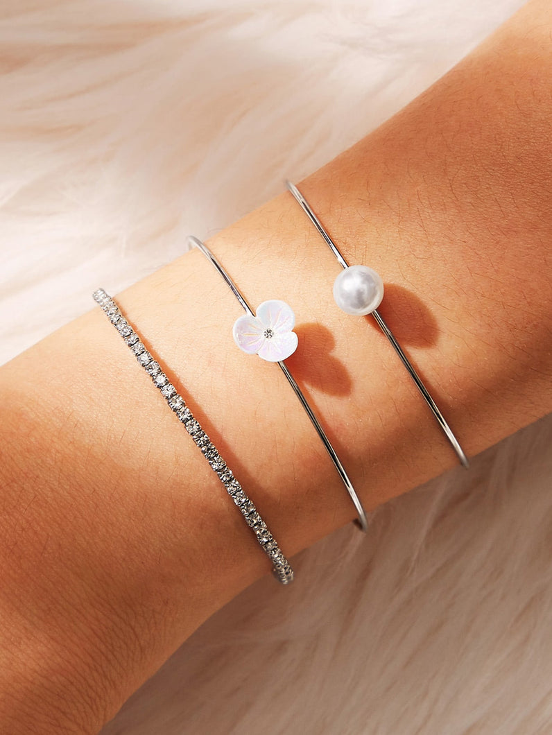 White Flower With Faux Pearl Silver 3pcs Cuff Bracelet