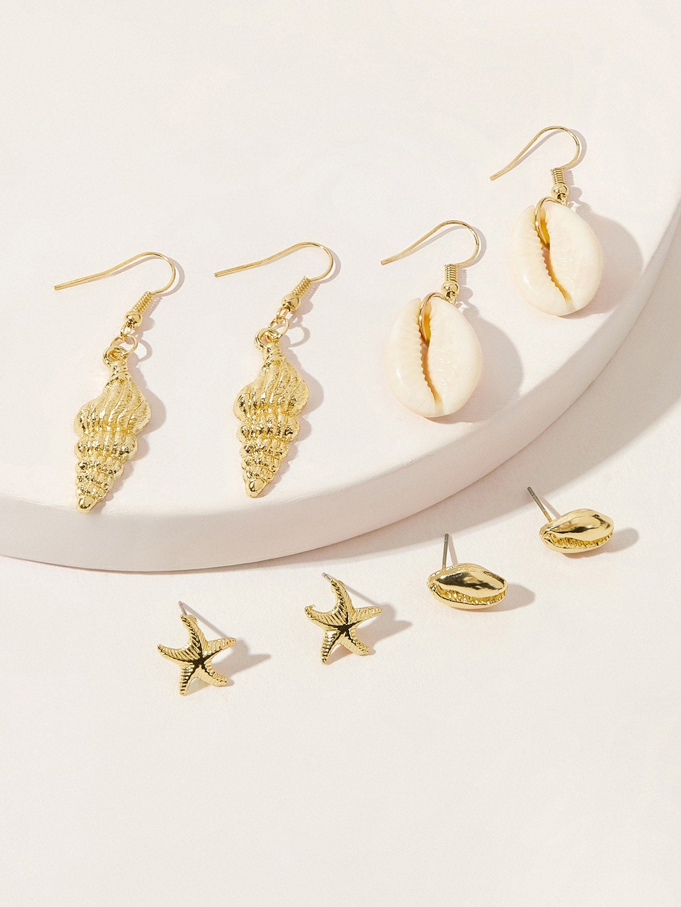 4 Pairs Golden Shell Dangle & Stud Earrings