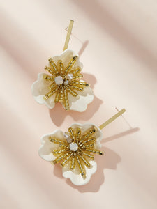 Golden And Yellow Flower Design With Bar 1 Pair Stud Earring