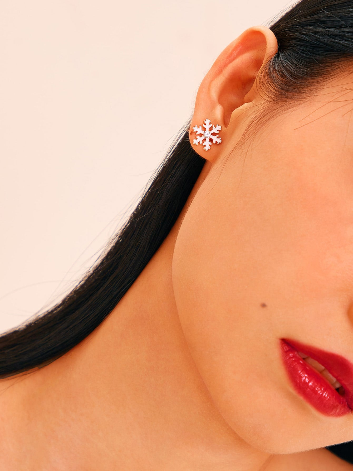 Pink Snowflake Shaped 1 Pair Stud Earrings