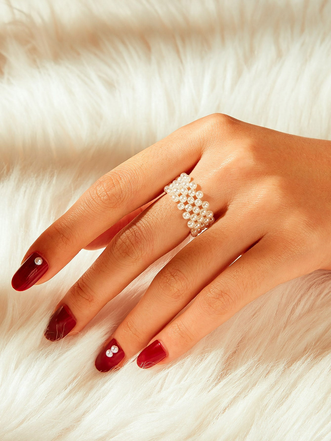 Multilayered White Faux Pearl Ring 1pc