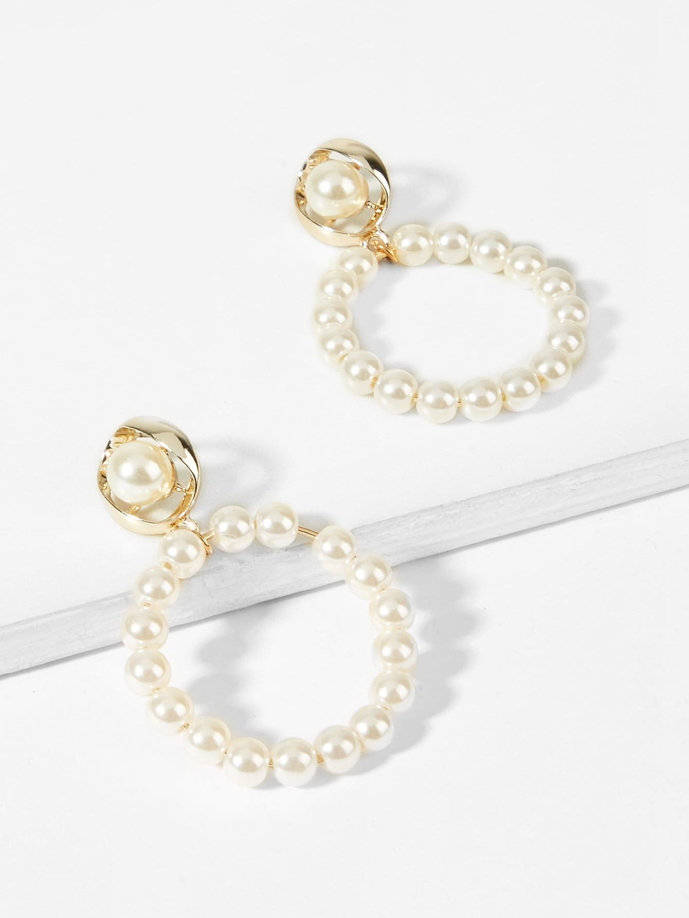 Golden Hoop With White Faux Pearl Decorated Drop Dangle 1 Pair Earrings
