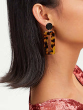 Load image into Gallery viewer, Multicolor 1pair Tortoiseshell Pattern Metal  Open Rectangle Drop Dangle Earrings