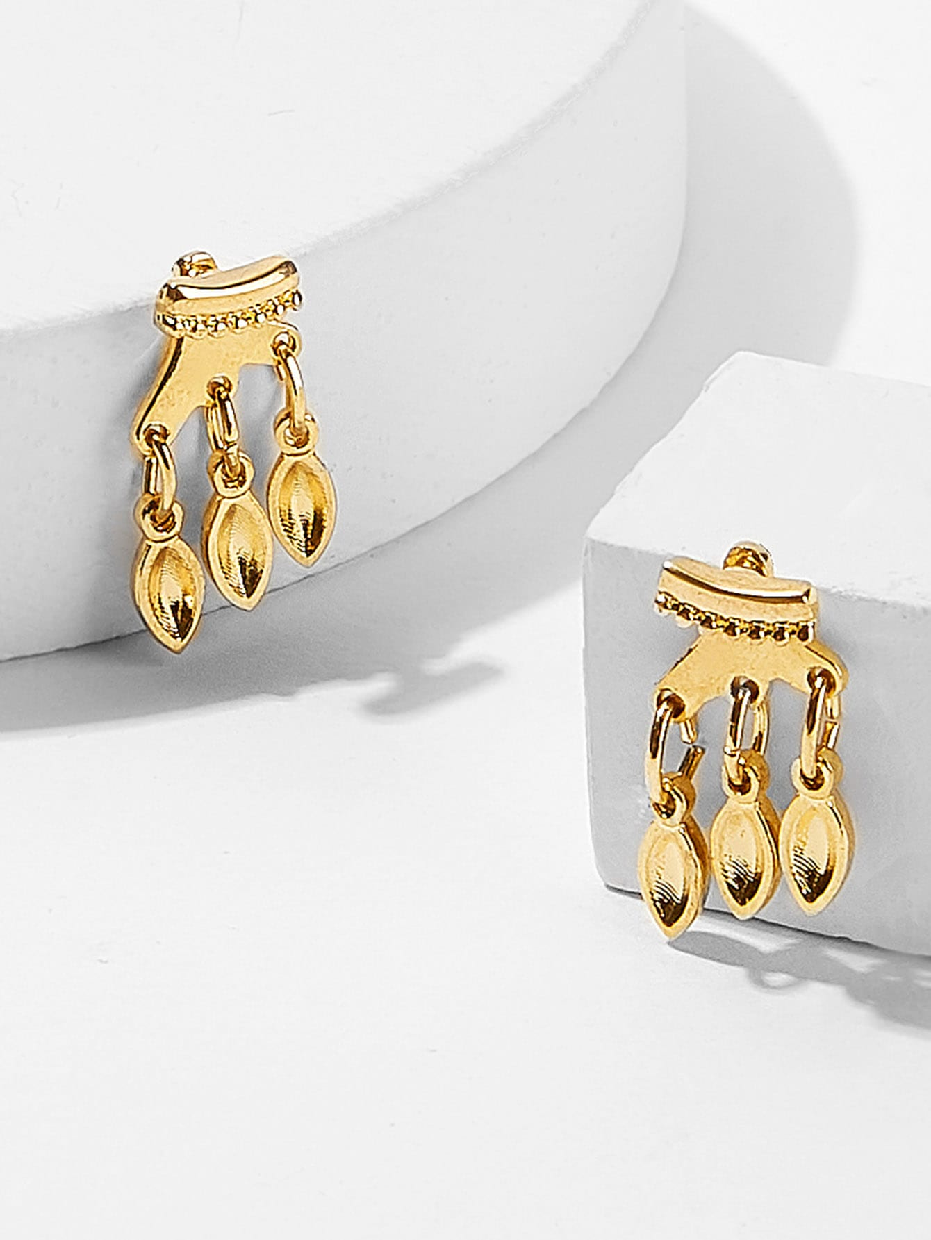 Golden Fringe Detail 1 Pair Stud Earrings