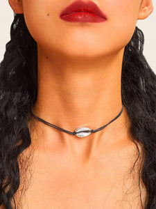 1pc Black And Grey Shell Pendant Leather Rope Choker