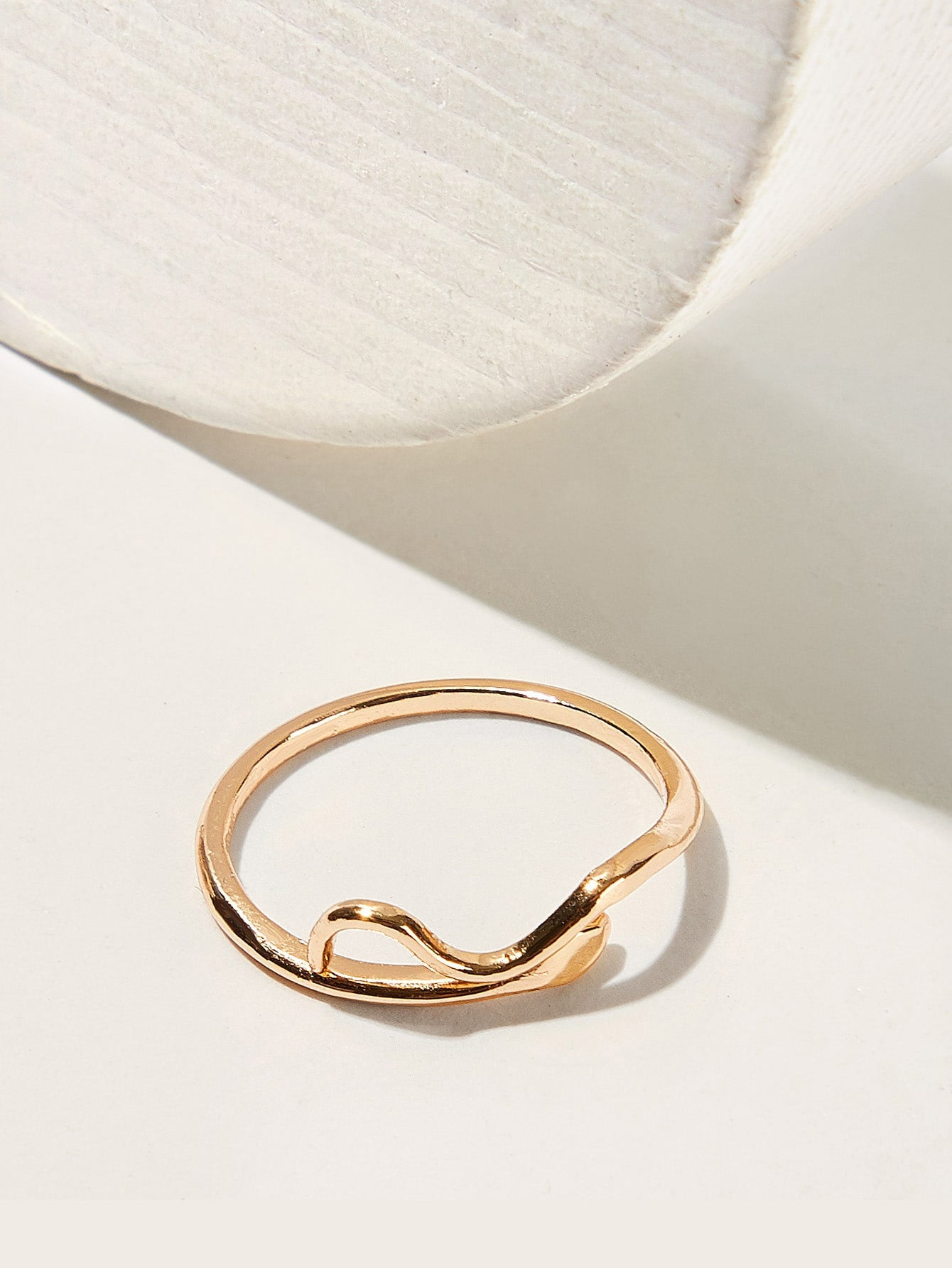 Golden Hollow Detail Ring 1pc