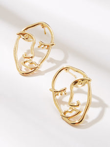 Golden Hollow Face Shaped 1 Pair Stud Earrings