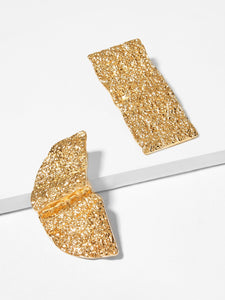1 Pair Golden Mismatched Textured Metal Stud Earrings