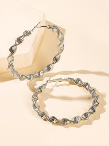 1 Pair Grey Spiral Design Hoop Earrings