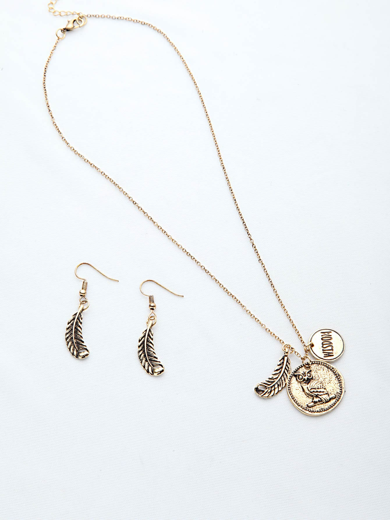 Silver Leaf Shaped Gold Metallic Pendant Necklace With Earrings