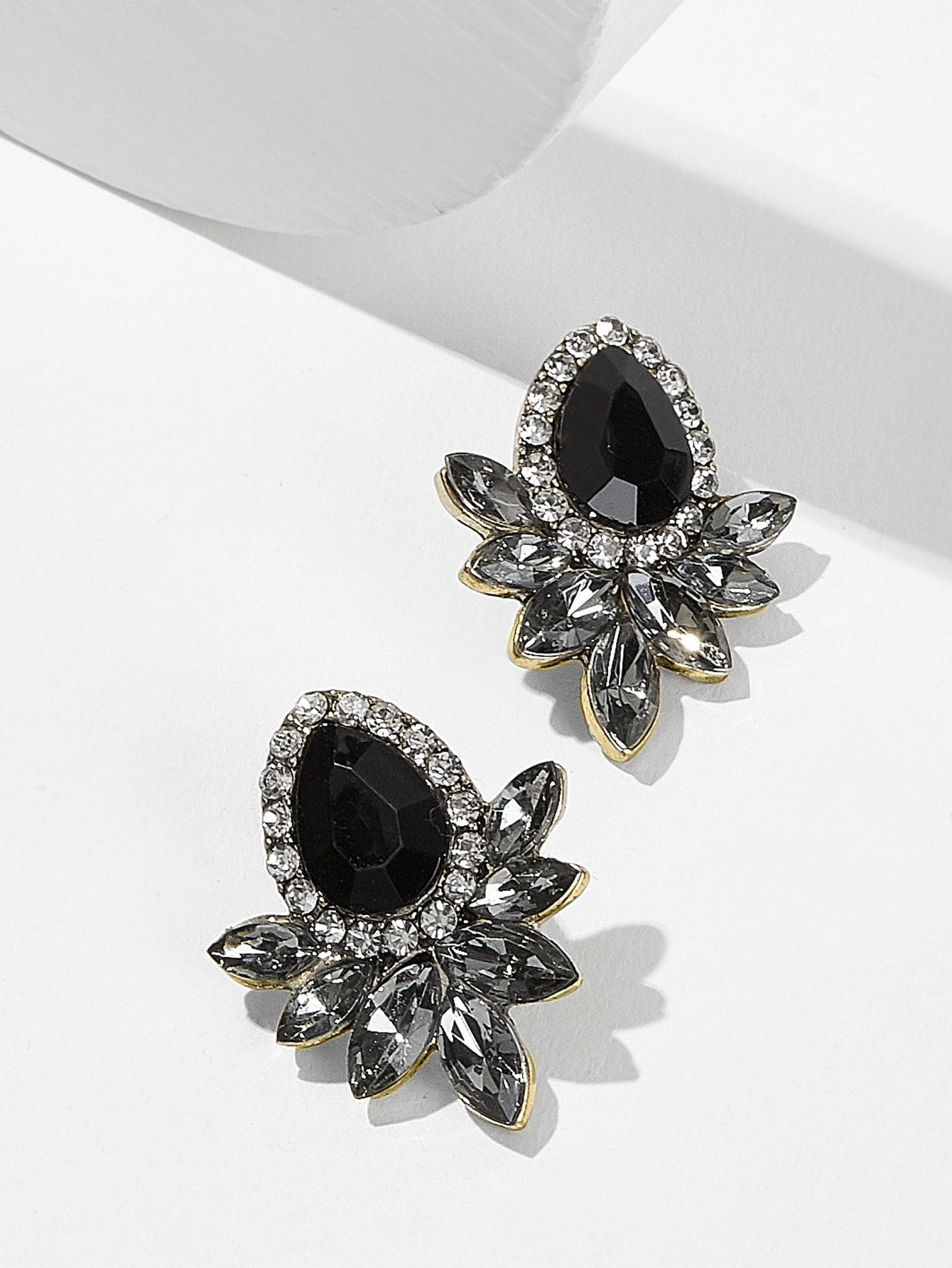 1pair Black Grey Gemstone Silver Stud Earrings