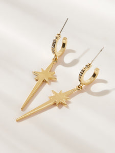 1 Pair Golden Rhinestone Engraved Star Decor Cut Dangle Earring
