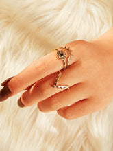 Load image into Gallery viewer, Golden Flower Engraved 3pcs Triangle Shaped Alloy Rings