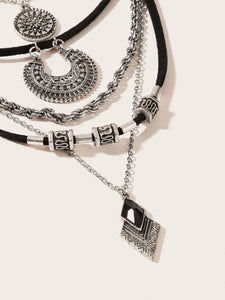 1pc Black And Grey Multi Layered Textured Rhombus & Disc Pendant Necklace