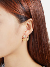 Load image into Gallery viewer, Golden Hollow Lotus Design Rhinestone Ear Jacket
