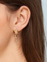 Load image into Gallery viewer, Gold Rose Shaped Rhinestone Detail 1pair Stud Earrings