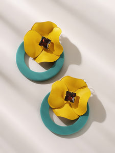 Yellow And Blue Ring Flower Decor 1 Pair Stud Earrings
