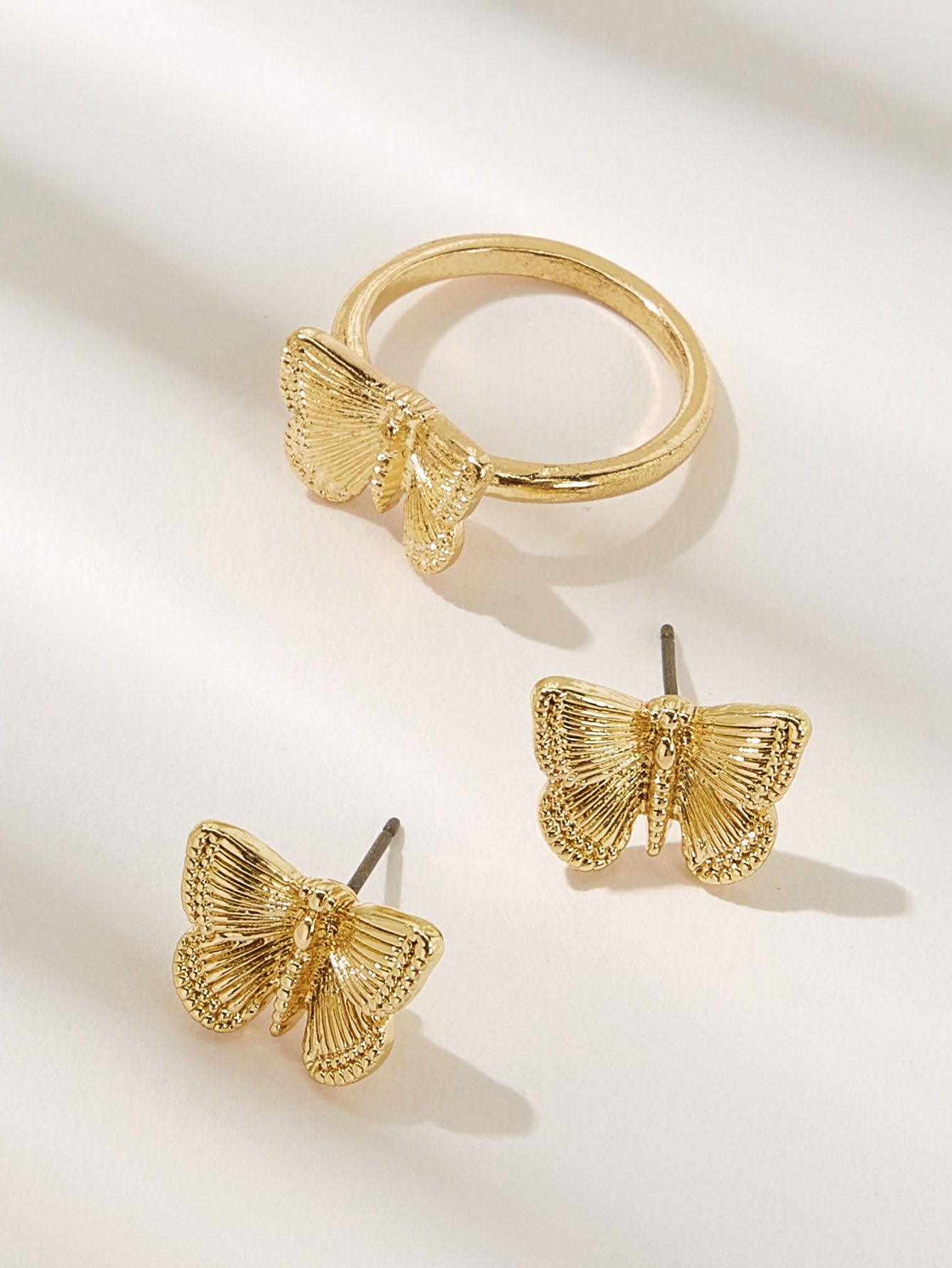 3pcs Golden Butterfly Shaped Ring & Stud Earrings