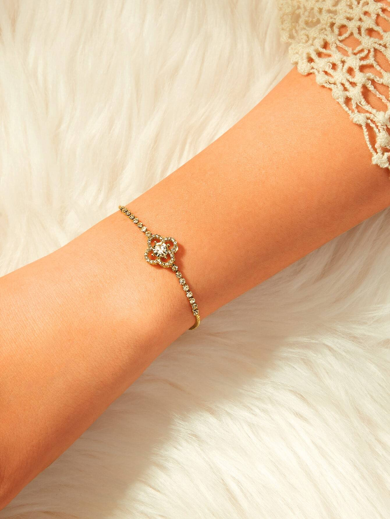 Rhinestone Engraved Clover Decor Golden Adjustable Chain 1pc Bracelet
