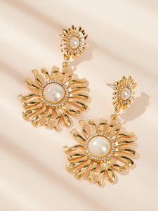 Golden Flower With Double Faux Pearl Engraved 1 Pair Drop Dangle Earrings