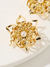 Load image into Gallery viewer, Golden Engraved Flower Design With Faux Pearl 1 Pair Stud Earring