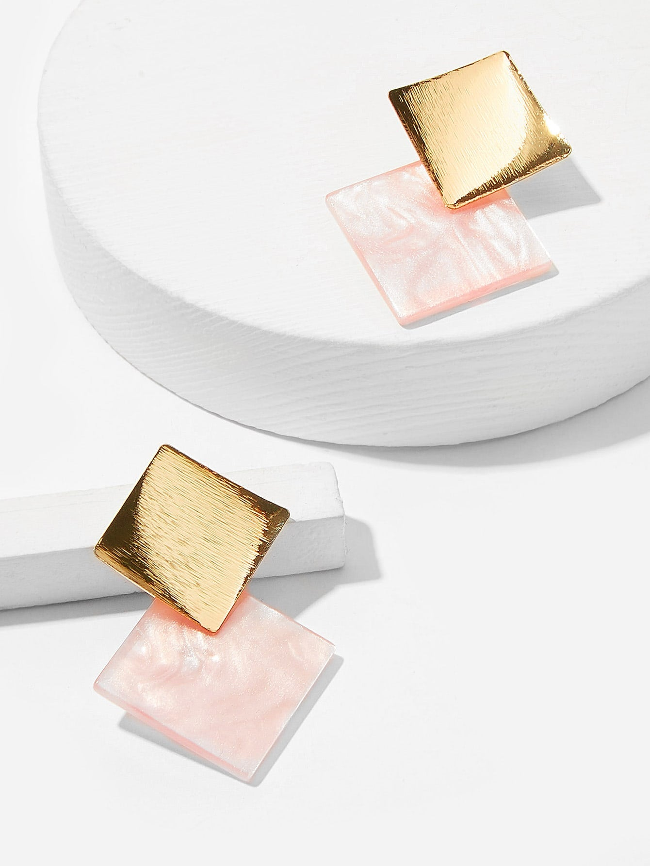 1 Pair White And Pink With Golden Top Square Stud Earrings