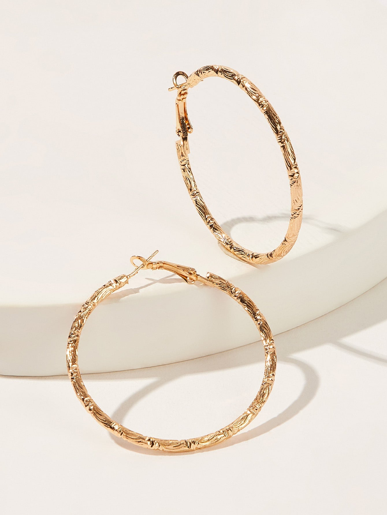 Golden Textured Metal 1 Pair Hoop Earrings
