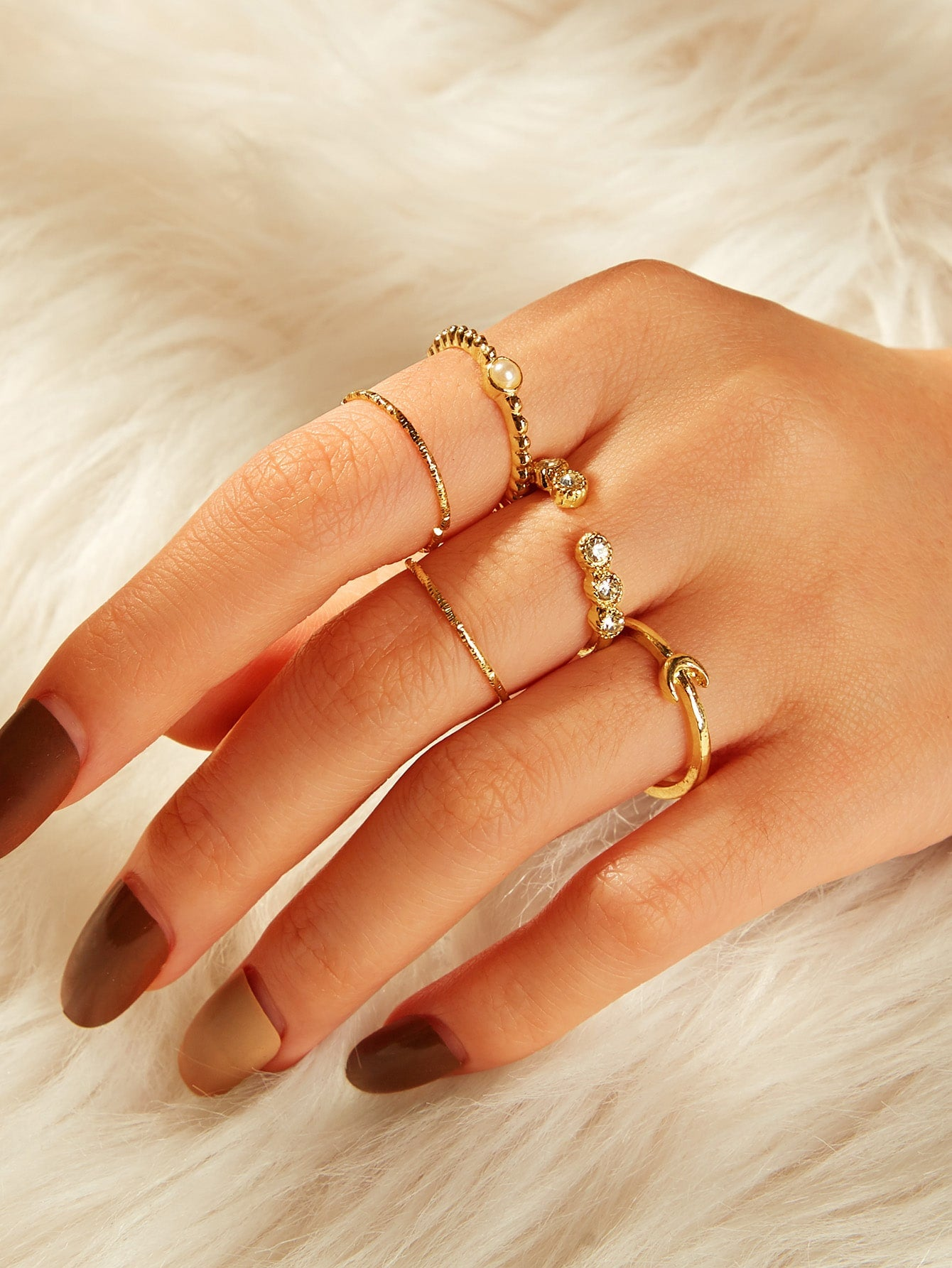 5pcs Gold Rhinestone Engraved & Faux Pearl Ring