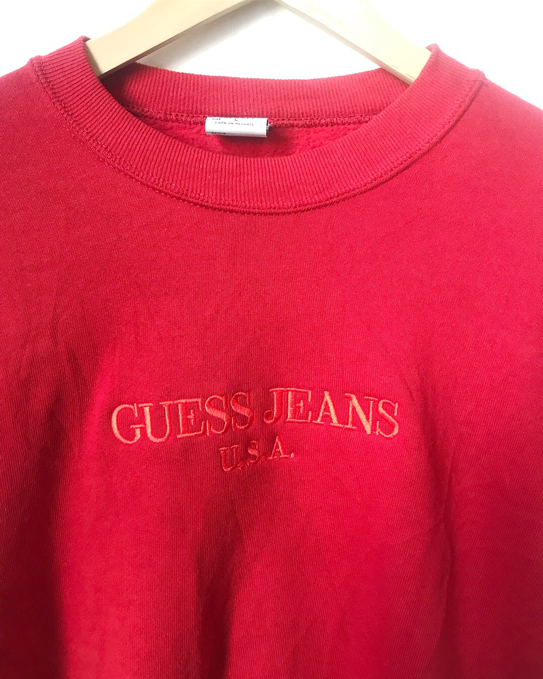 wide selection of colors large assortment latest selection of 2019 Vintage GUESS sweatshirt in Red