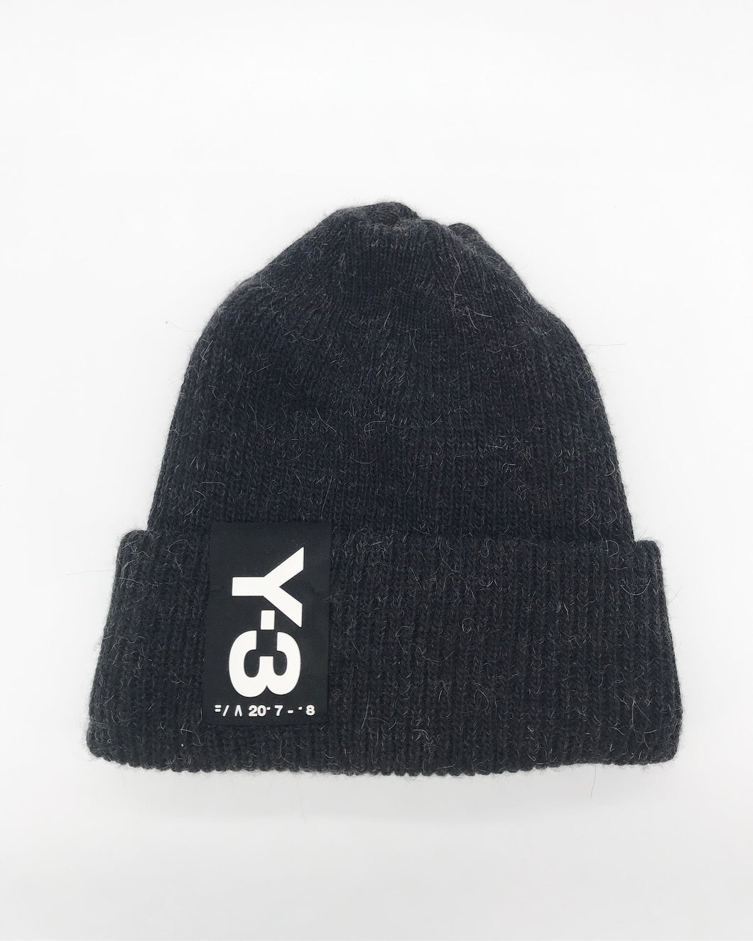 Y-3 BADGE BEANIE (BLACK)