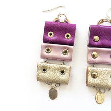 Load image into Gallery viewer, SILVER VIOLET EARRINGS