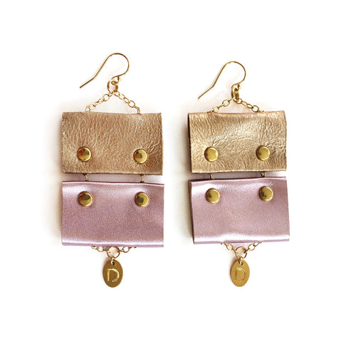 VIOLET NUDE EARRINGS