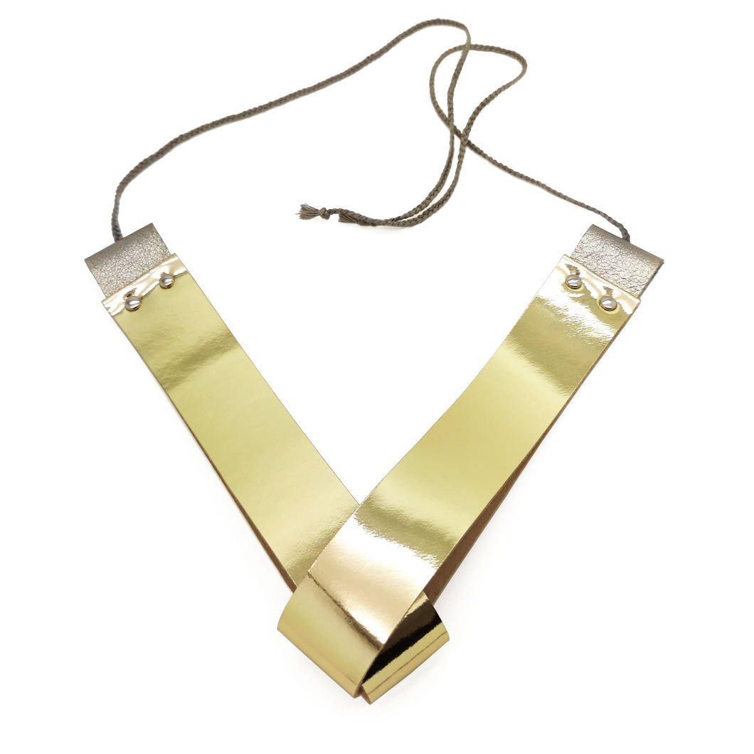 GOLD GLEAM NECKLACE