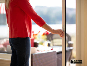 GENIUS RETRACTABLE SCREEN DOOR