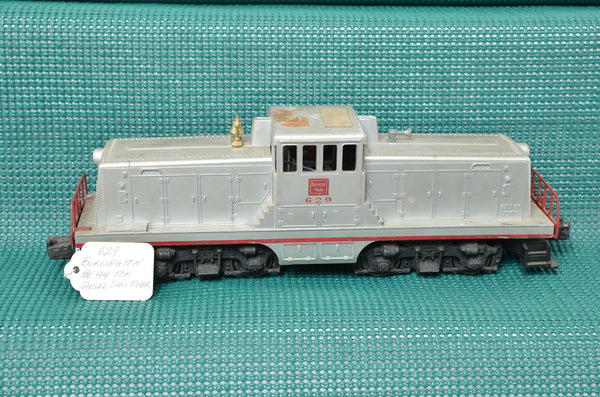Lionel postwar 629 Burlington center cab switcher