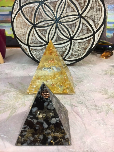 Feng Shui Orgone /Life Force Generator Pyramid