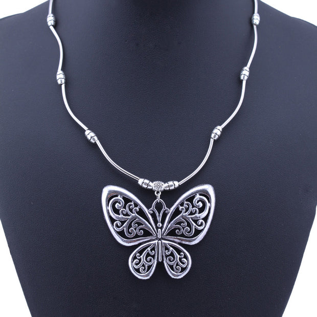 Butterfly Dancing Necklace - Girlsintrendy, Girls In Trendy