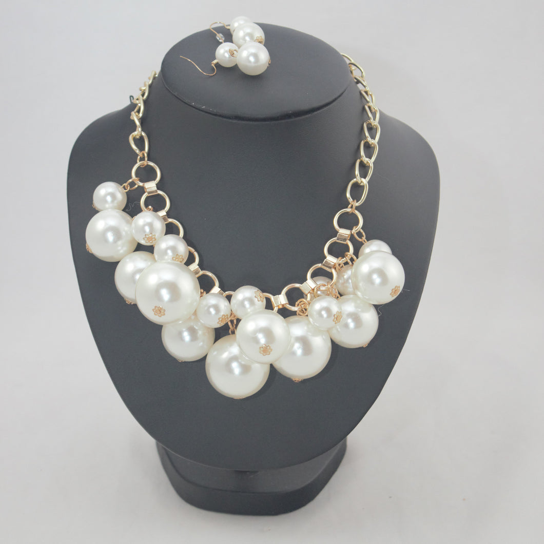 Cream - Bubbles Neckpiece (20