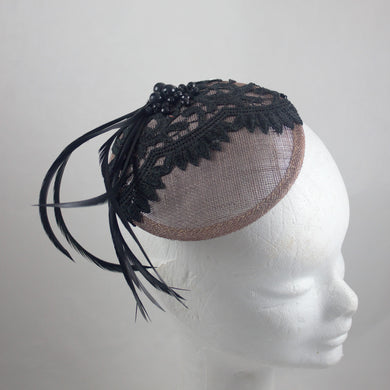 Lizzy - Beaded Lace Skullcap