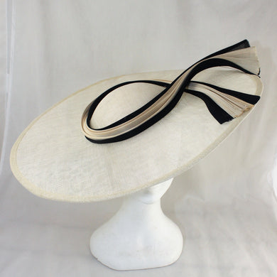 Cream and Black Jinsin Wave Hat
