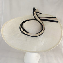 Load image into Gallery viewer, Cream and Black Jinsin Wave Hat
