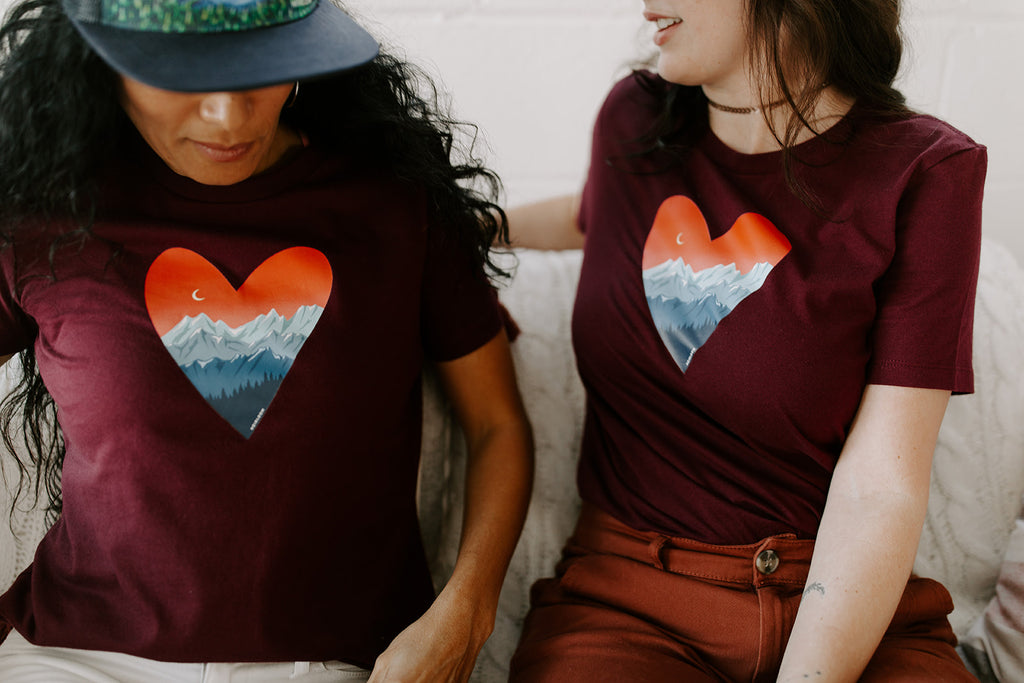 Mountain Love Art T-Shirt - Maroon