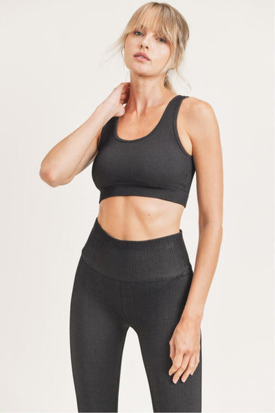Ribbed Dry Brush Seamless Sports Bra in Black/Medium Grey | Allure Apparel Co
