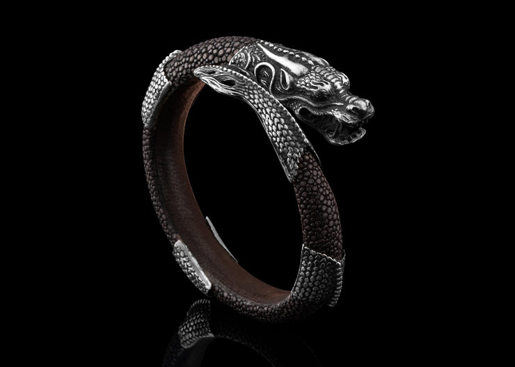 Dragon Of The Ocean, Black Diamonds