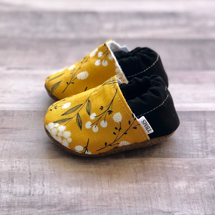 Mustard Floral Low Top Moccasins