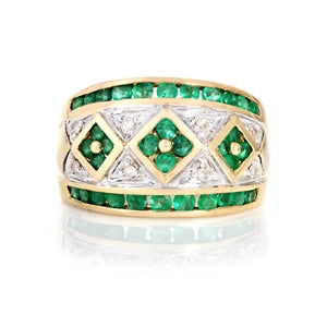 CLOVER EMERALD AND DIAMOND RING