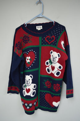 Holiday Christmas Sweater w Hearts and Bears