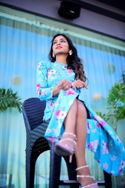 Nishtha wearing Jompers kurti as a dress