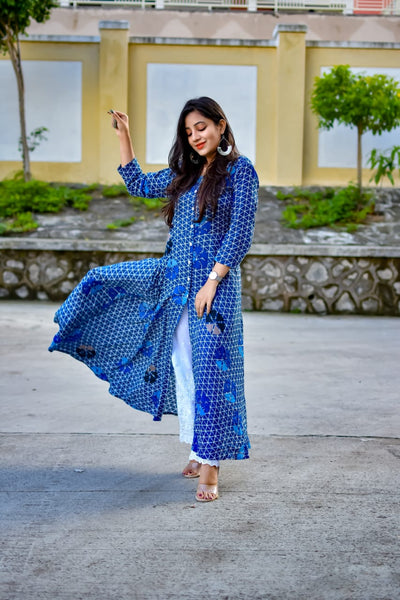 Jompers Women Blue & Off-White Printed Flared Kurta